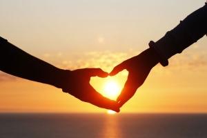 love-heart-hands-sunset